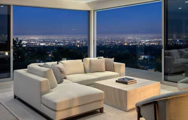 Beverly Grove Residence in Beverly Hills by Tooke & Co.