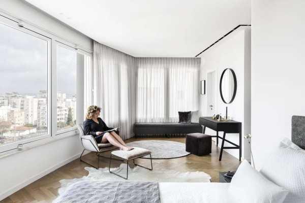 H Apartment in Hod HaSharon by Maya Sheinberger Interior Design