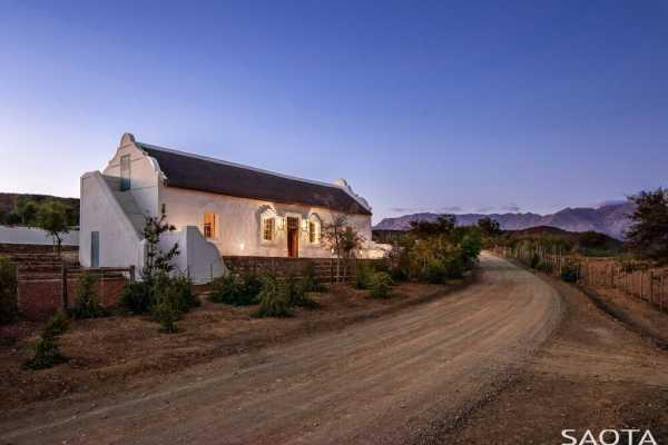 Buffelsdrift Farm Restored by Jaco Booyens Architect & SAOTA