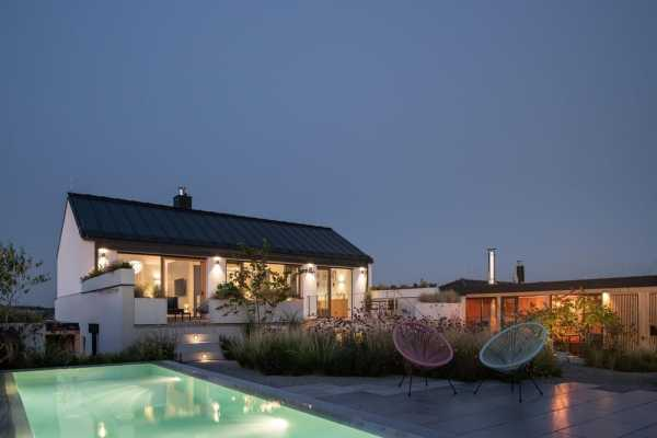 Family House with Atrium by SENAA Architekti
