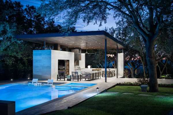Longchamp Outdoor Living – New Construction Pool and Exterior Pavilion