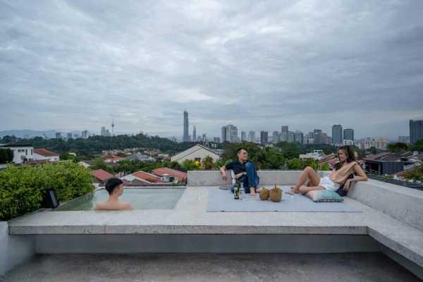 Ottiqa House, Kuala Lumpur by Fabian Tan Architect