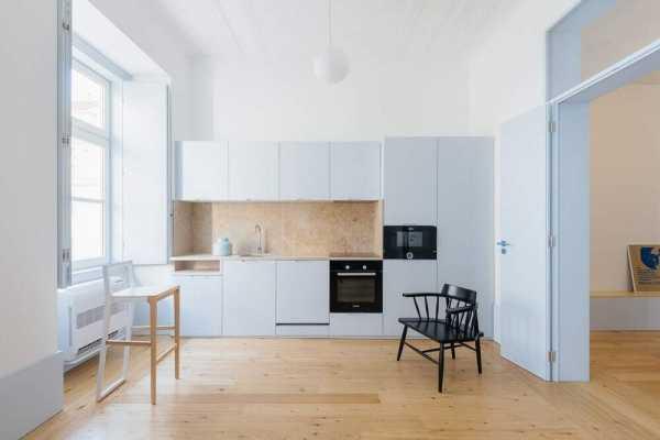 Pombalino Apartments by Aurora Arquitectos