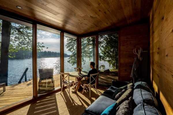 Muskoka Modern Prefab Cottage by Altius Architecture