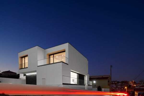 Amaro House, Lisboa by Sérgio Miguel Godinho Arquiteto