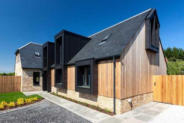 Handpost Farm, Warfield by rjha Architects