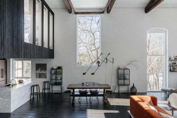 Clover Hill Residence by Ravi Raj Architect