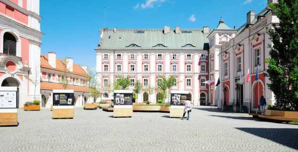 Refurbishment of a Historical Building and City Hall Courtyard in Poznan