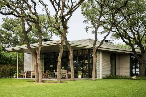 Highland Park Residence, an Austin Transformation Designed by Clayton Korte