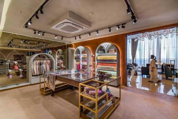 Indian Boutique Store @ Taj Skyline by Prashant Parmar Architect