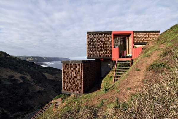 Panal House by Estudio Dikenstein Arquitectos