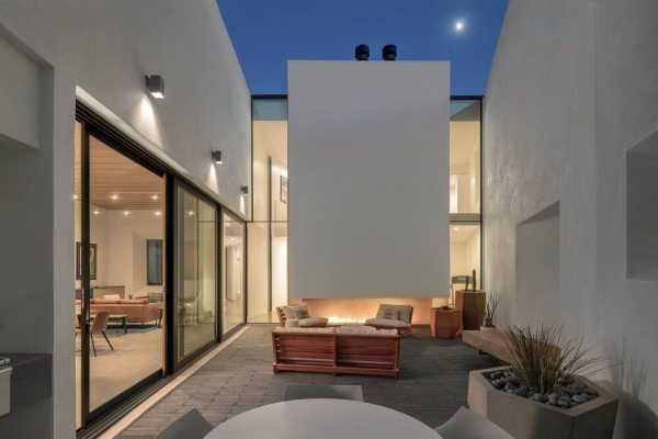 Casa Schneider by Ibarra Rosano Design Architects