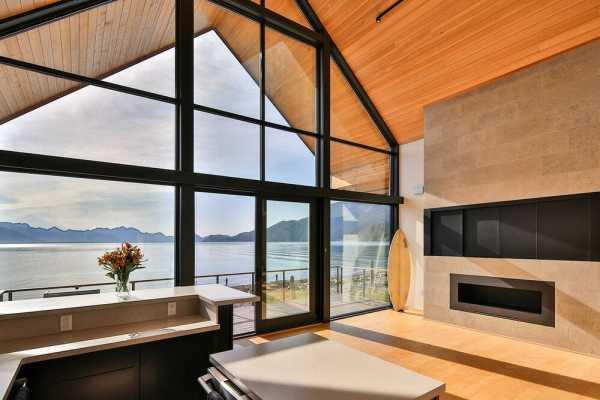 Alaska Surf Shack by Studio Zerbey Architecture