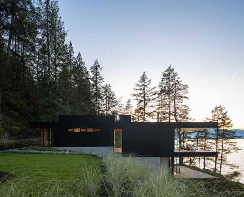 Bowen Island House by Office Of Mcfarlane Biggar Architects