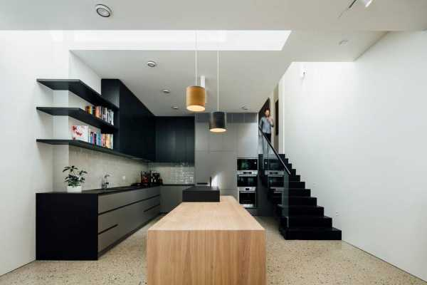 House Vertical Addition by Mitsuori Architects