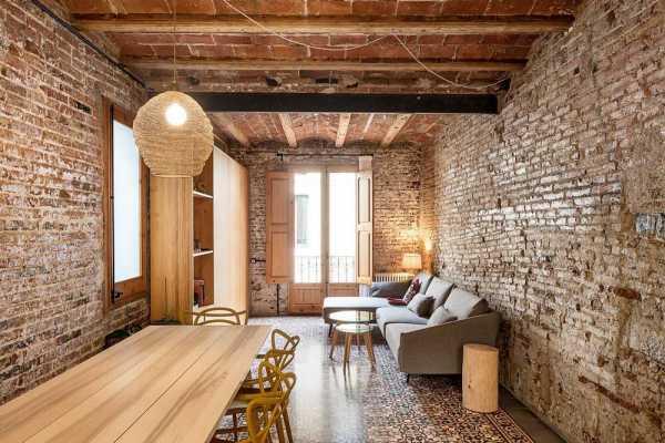 Gràcia House Rehabilitation by Carles Enrich