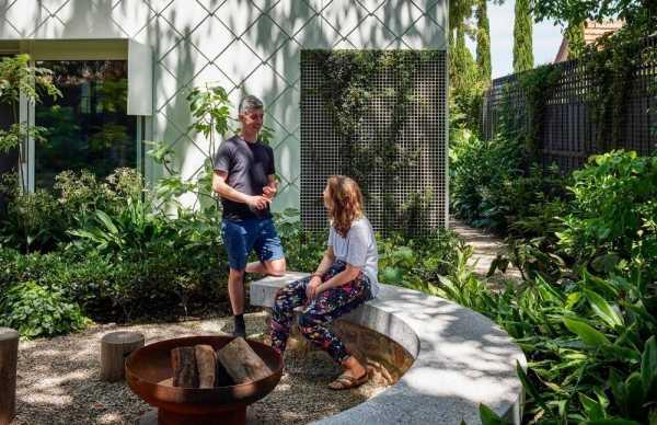 Sustainable Garden House by Austin Maynard Architects