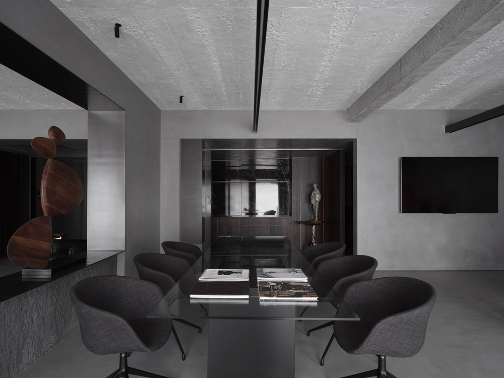 Multifunctional Corporate Space by JG Phoenix