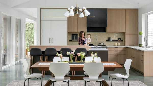Binnacle Hill Residence by Whitten Architects