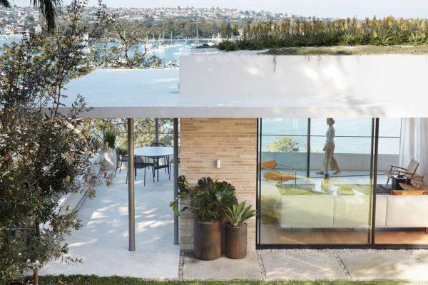 Sandcastle House by Luigi Rosselli Architect