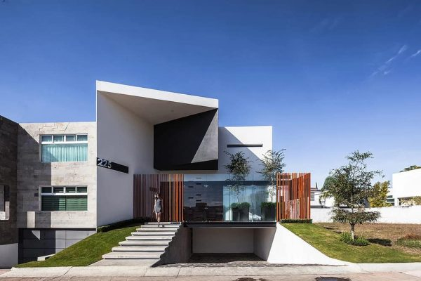 225 House by 21 Arquitectos