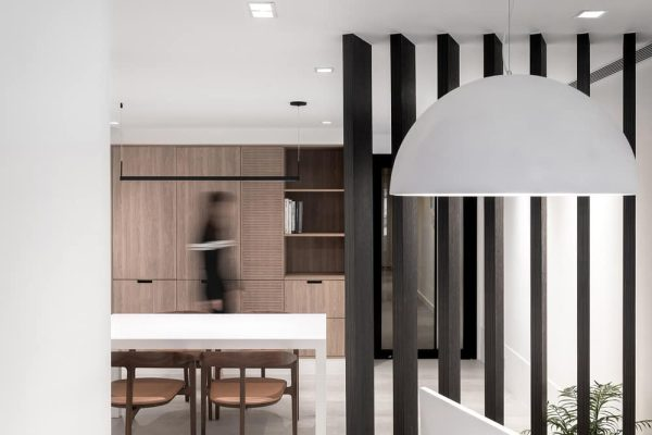 Office of Blocks – A Small Office Using Functional Cabinetry as Ornament