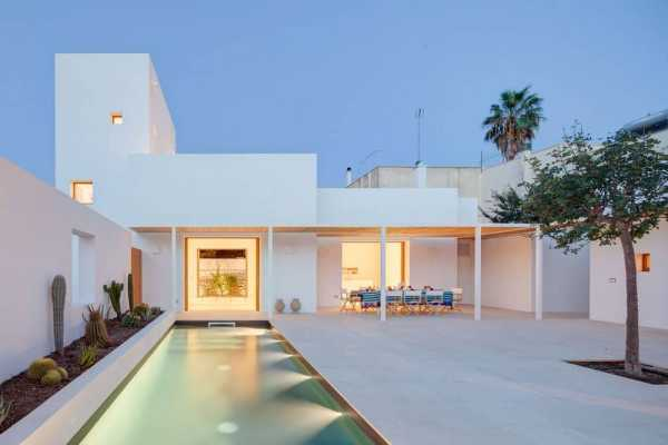 The White Tower House by DOS Architects